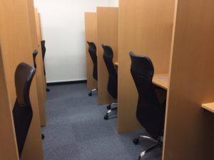 自習室鶴見 椅子
